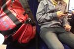 Glenn H. würde seine rote Sporttasche nie auf den Boden stellen. «Ekelhaft! Möglicherweise ist da zuvor ein Kind gekrabbelt! » bild: buzz orgler